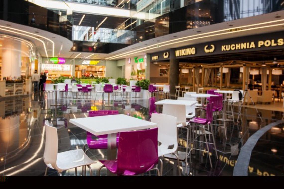 Projektanci centrów handlowych tworzą oryginalne strefy gastronomiczne
