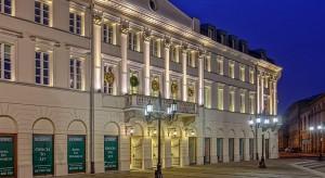 Plac Bankowy 1 odrestaurowany według koncepcji MAAS i Allana Starskiego