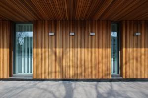 Galeria Siedlce już otwarta - jasne wnętrza i drewno na elewacji