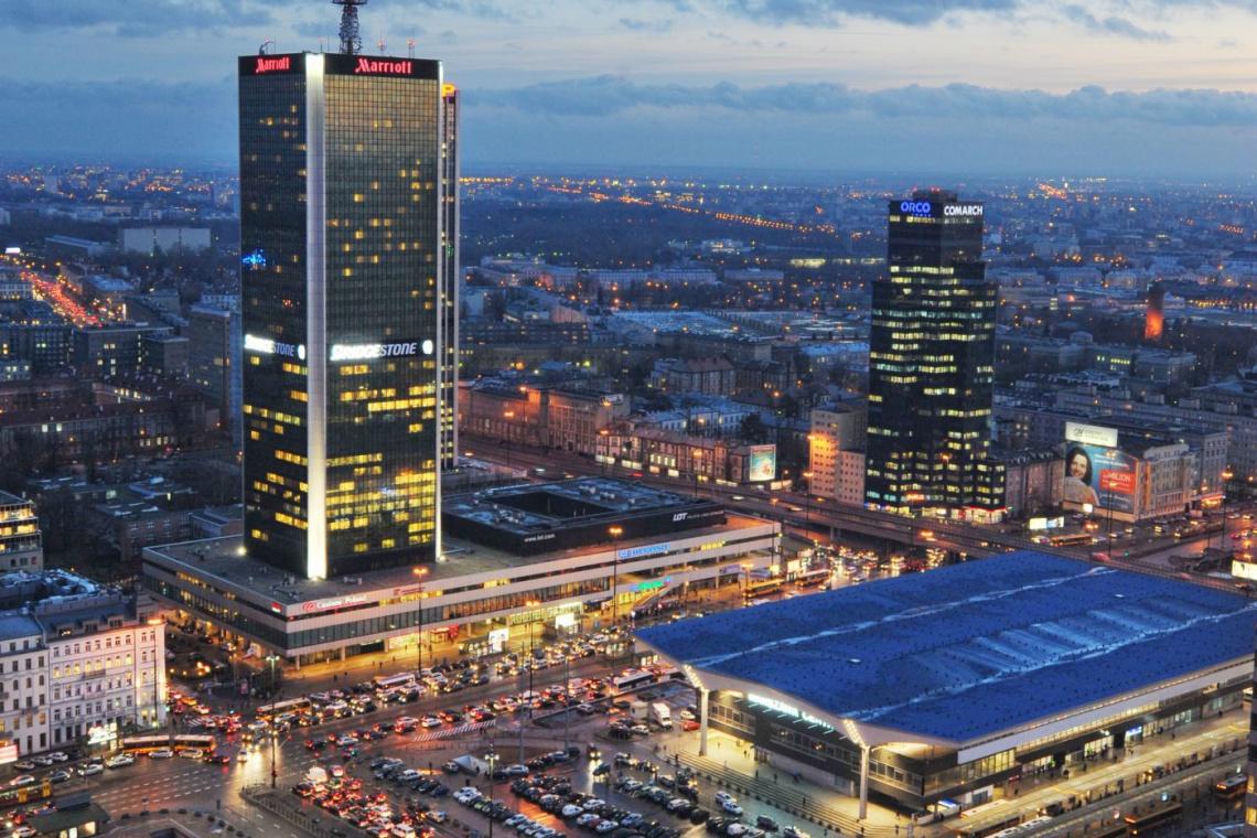 Warszawa przyciąga najwięcej białych kołnierzyków