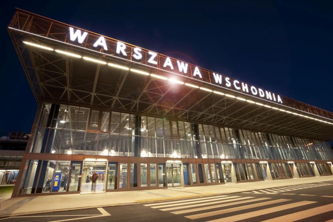 Dworzec Warszawa Wschodnia z imieniem Romana Dmowskiego