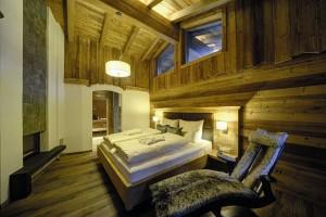 Unikalny hotel LaPosch Chalet Resort z kamienia i drewna