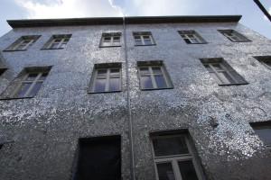 Łódź: mozaika z luster, a motywem kwiat róży
