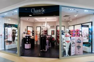 Klasyczna forma bez rozbudowanej ornamentyki - nowy salon Chantelle od Otomi