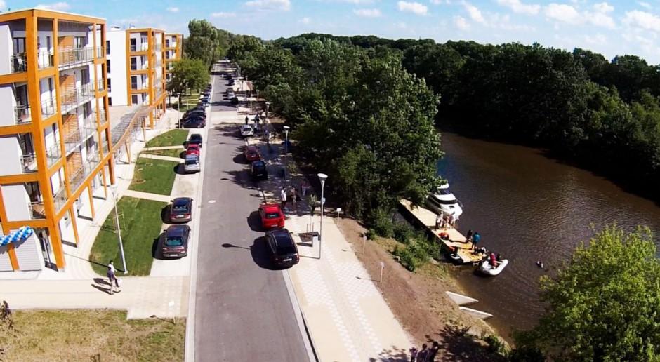 Wrocław: nadrzeczna promenada Archicomu przy Olimpii Port otwarta
