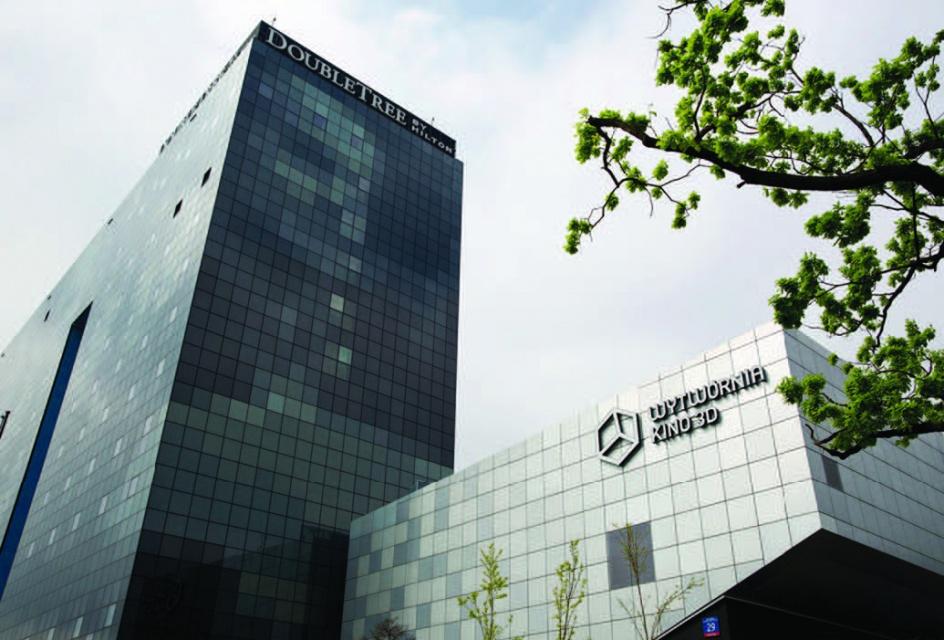 Zobacz biurowce i galerie handlowe nagrodzone Budową Roku 2013