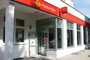 Poczta Polska nadal się zmienia: 100 placówek ma już nowy design