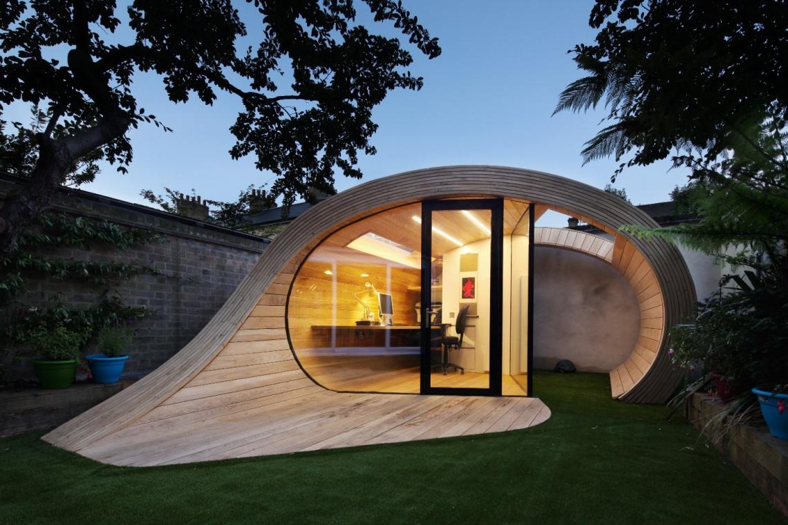 Biuro w kształcie muszli wygląda jak ogrodowa rzeźba