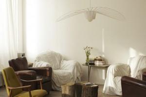 Ta lampa fascynuje zwiewnością i niepowtarzalnością