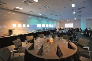 W Adgar Park West jest Event Room, który zmienia się jak kamelon