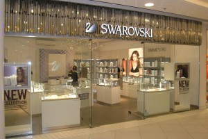 Słynny Tokujin Yoshioka zaprojektował aranżację salonu Swarovski w Klifie