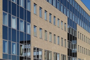 Szkło przeciwsłoneczne receptą na upał