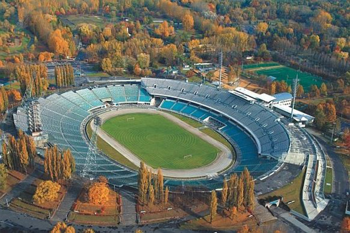 Rozpoczęło się podnoszenie konstrukcji dachu na Stadionie Śląskim