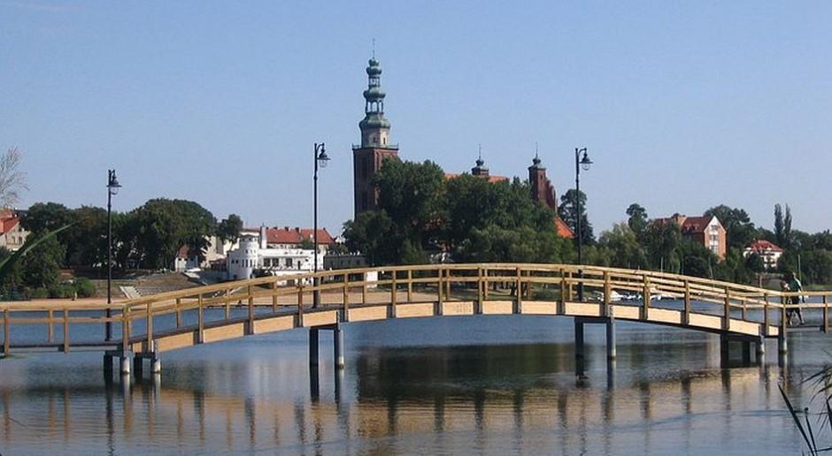Pomost w Chełmży już gotowy - to nowe miejsce rekreacji za 2,9 mln zł