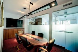 Szkło w aranżacji wnętrz biurowych