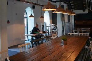 Nowoczesny wystrój restauracji Pan Kejk w Manufakturze