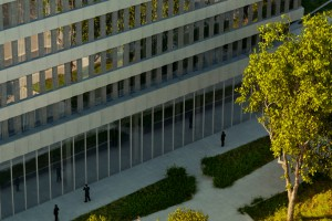 Schneider Electric sam zadbał o swoją eko-siedzibę