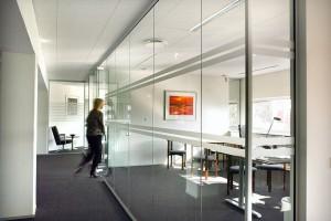 Dlaczego akustyka jest ważna w aranżacji biura?