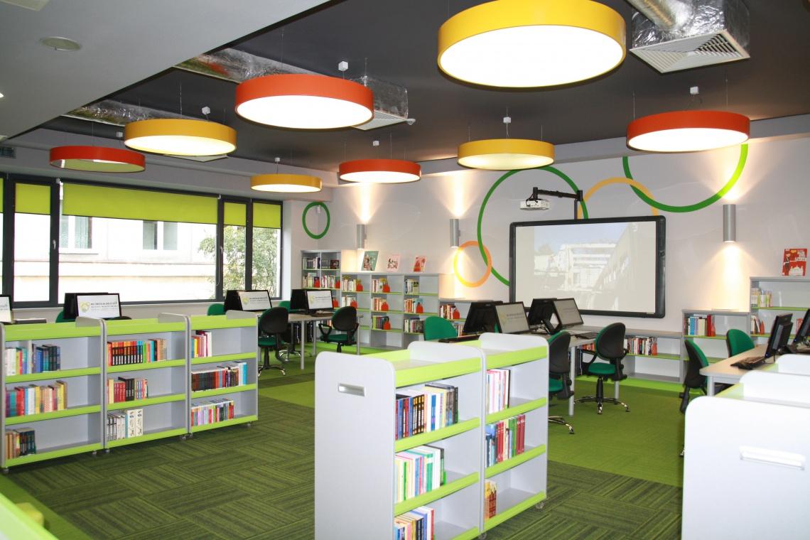 Multimedialna biblioteka zaprojektowana przez WMA Architekci