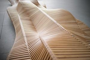 Intrygujący mebel miejski - ławka projektu Piotra Żurawia