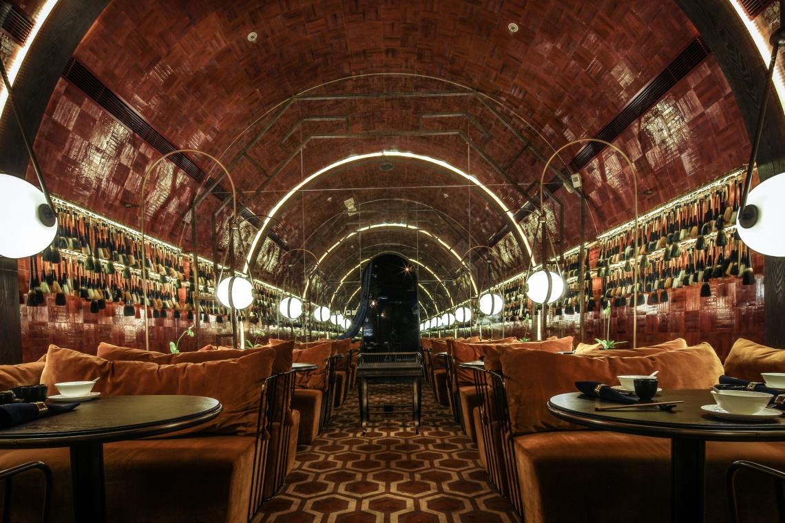 Restauracja Mott 32 - światowe wnętrze roku od Joyce Wang Studio