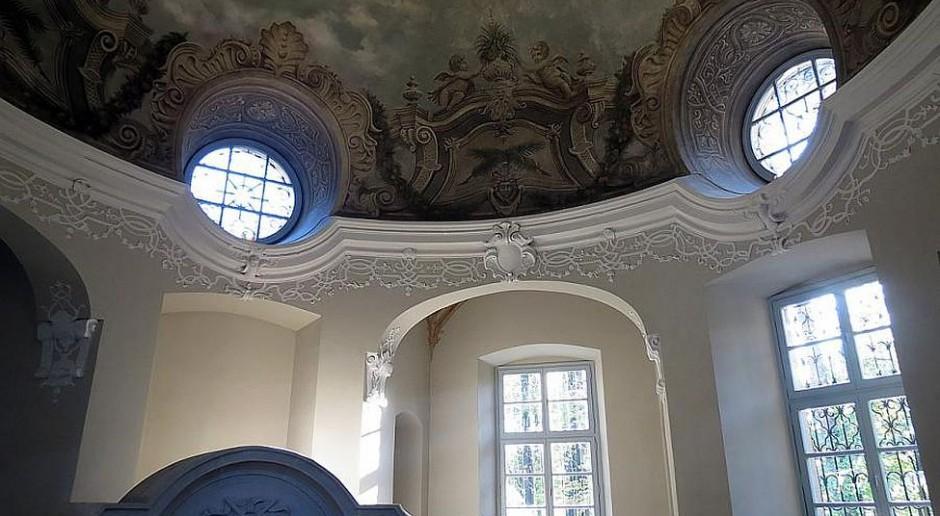 Renowacja zakończona - Mauzoleum Hochbergów jak nowe