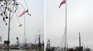 Biało-czerwona flaga powiewa już na Maszcie Wolności
