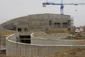 Aquapark projektu Płaskowicki i Partnerzy - montują już zadaszenie