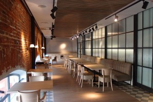 Brofaktura w starych murach to projekt A+D Retail Store Design