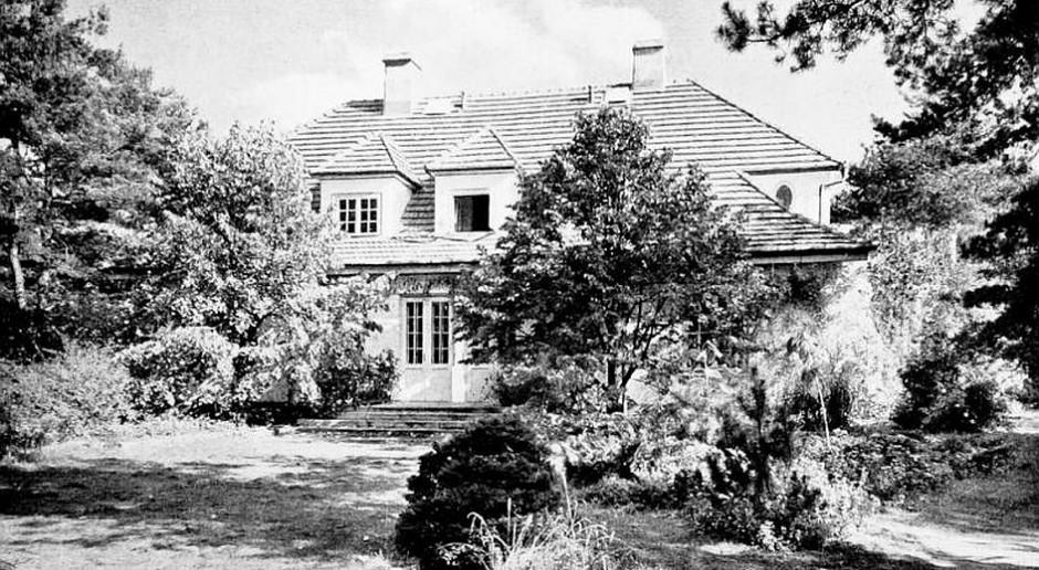 Na Muzeum Józefa Piłsudskiego w Sulejówku zawieszono wiechę