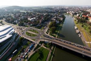 Biel, czerwień i szarość we wnętrzach ICE Kraków