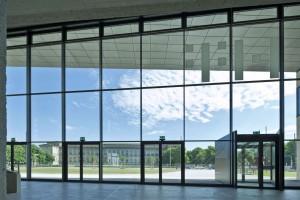 Szklany element zrównoważonej architektury