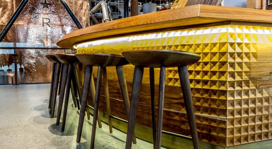 Inteligentne szkło, gięte drewno - kawowe inspiracje Liz Muller