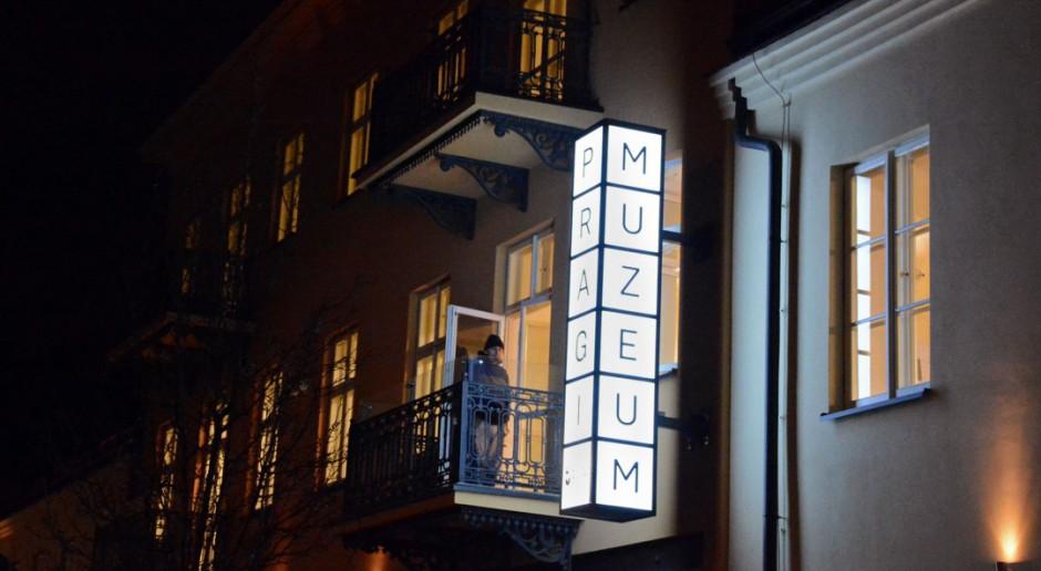 Muzeum Warszawskiej Pragi z szyldem projektu 307kilo