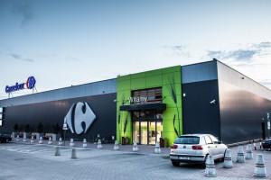 Centrum handlowe Carrefour po remodelingu - nowa elewacja i wnętrza