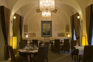 Oto elegancka restauracja w Mamaison Hotel Le Regina Warsaw