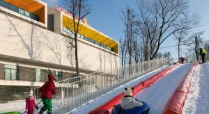 Jak zimą kreatywnie wykorzystać teren wokół centrum handlowego?