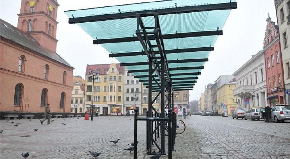 W Toruniu pojawiły się nowe, zadaszone parkingi dla rowerów