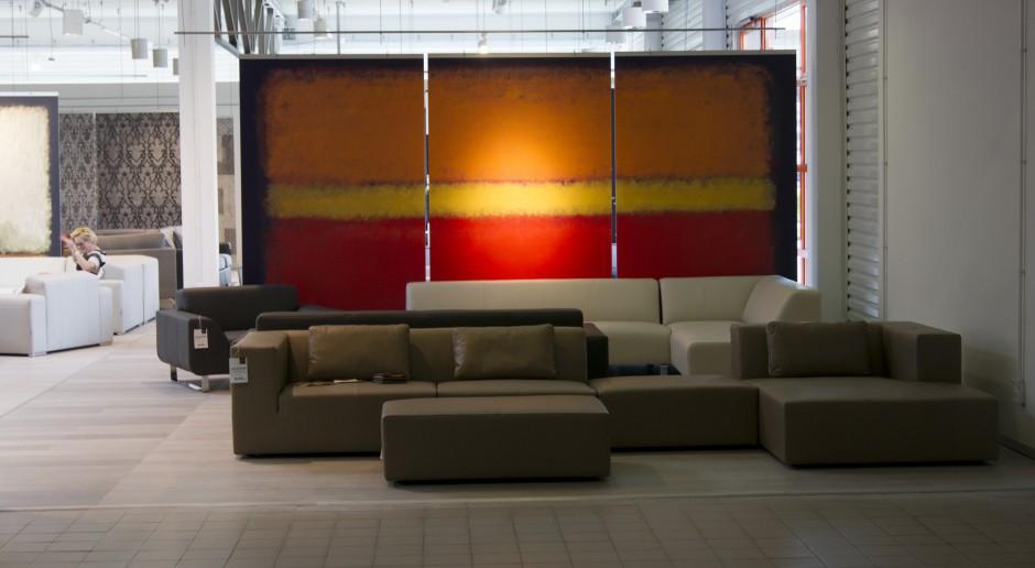 Architektura światła i grafiki w Showroomie Adriana Furniture