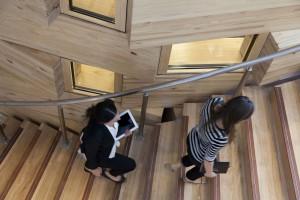Zobacz wnętrza szkoły Dr Chau Chak Wing Building od Franka Gehry'ego