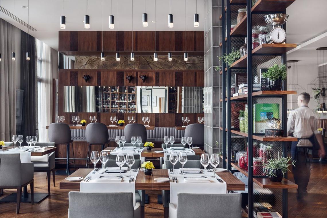 Eleganckie wnętrze restauracji Mercato w gdańskim Hilton Hotel