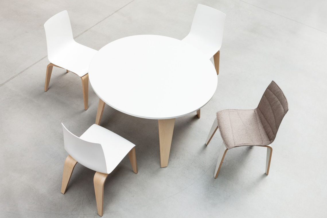 Krzesło Pigi od Sitag - zawieś oko na formie