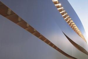Wyrazista gra świateł w projekcie siedziby Rockpanel