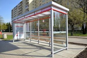 Nowy typ wiaty przystankowej w Warszawie
