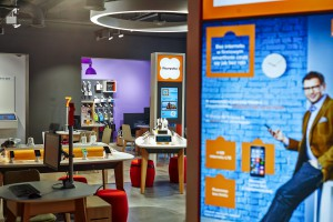 Interaktywny, intuicyjny i designerski Smart Store Orange