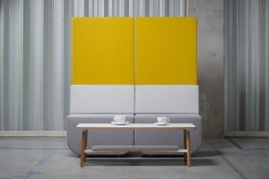 Proste i wielofunkcyjne meble w przestrzeniach publicznych