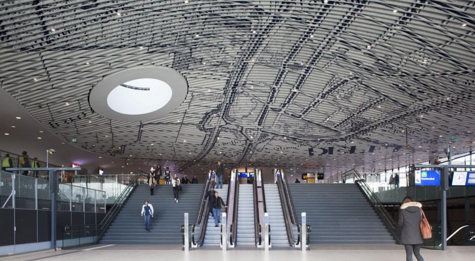 Imponujący dworzec w holenderskim Delft