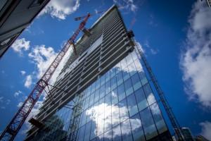 Q22, projektu Kuryłowicz & Associates, pokrywa się szkłem