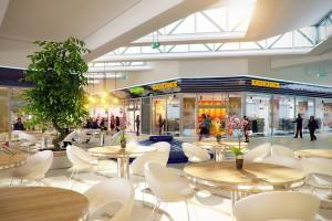 Remodeling CH Auchan Gdańsk według pracowni Tremend