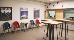 Zobacz nowoczesne wnętrze polskiego konsulatu w Pradze